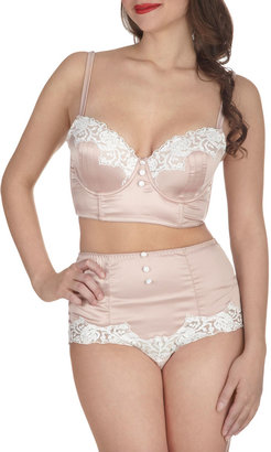 In With the Elegant Bustier Bra