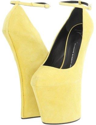 Giuseppe Zanotti I26210 (Lemon) - Footwear