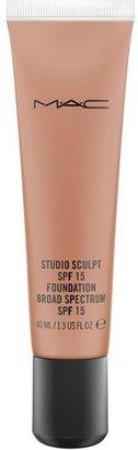 M·A·C MAC Studio Sculpt Spf 15 Foundation - Nc15
