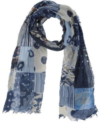 GUESS by Marciano Oblong scarf