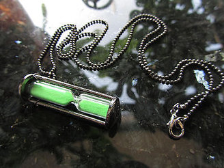 Marc Jacobs Green Plated Hourglass Necklace Chain Sandglass Time Funnel Jewelry