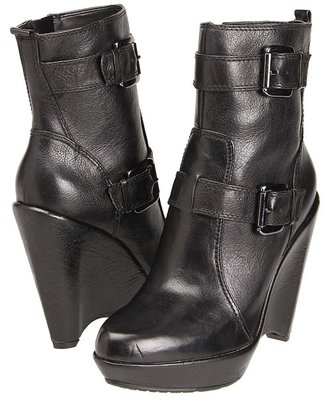 Enzo Angiolini Carsen $169 thestylecure.com