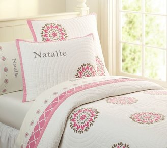 Dahlia Medallion Quilted Bedding