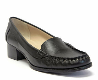 Ellen Tracy Grooves Loafers