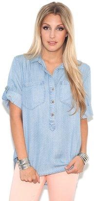 Bella Dahl Bella Dahl Pullover Placket Shirt in Light Vintage Dot Denim