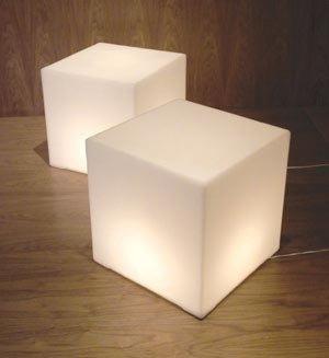 2Modern Gus* Modern - Lightbox