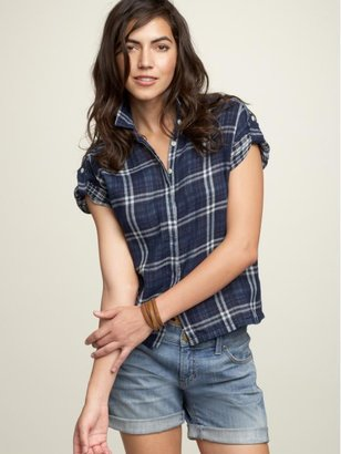 Gap Plaid roll-up sleeve shirt