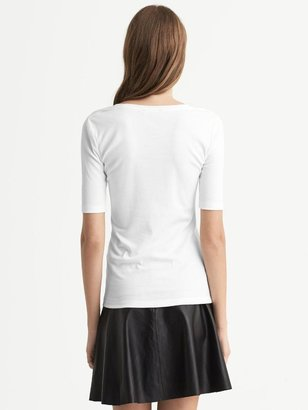 Banana Republic Scoop-Neck Timeless Tee