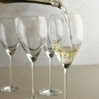 Schott Zwiesel Vinao Light-Bodied White Wine Glass