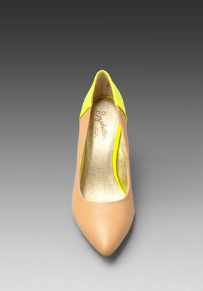 Seychelles Strike a Chord Pump in Vacchetta/Neon Yellow