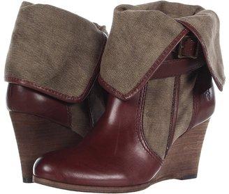 Frye Corby Strappy (Fatigue/Dark Brown) - Footwear