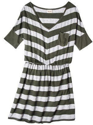 Junior's V-Neck Elbow Sleeve Dress
