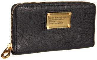 Marc by Marc Jacobs Classic Q Vertical Zippy Wallet (Black) - Bags and Luggage