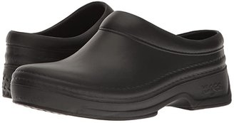 Klogs USA Footwear Springfield (Black) Women's Clog Shoes