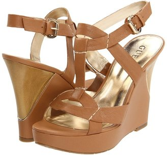 GUESS Yakima (Medium Brown Leather) - Footwear