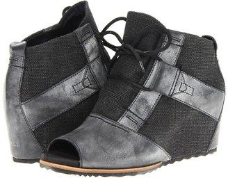 Sorel Lake Wedge (Black) - Footwear