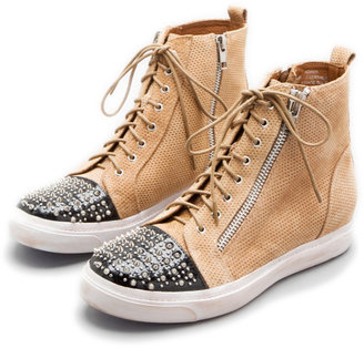 Jeffrey Campbell ADAMS