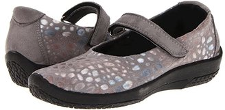 ARCOPEDICO L45 (Grey Print) Women's Maryjane Shoes