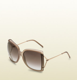 Gucci large square frame sunglasses with GG logo and web on temples.