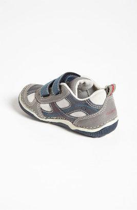 Stride Rite 'Woody' Sneaker (Baby, Walker & Toddler)