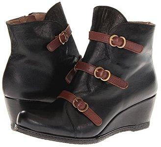 Eric Michael Lena (Black) Women's Zip Boots