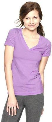Gap Pure Body V-neck T
