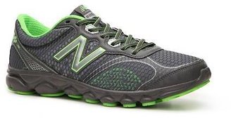 New Balance 690 v2 Lightweight Running Shoe - Mens