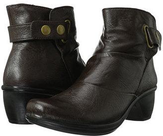 Easy Street Shoes Wynne