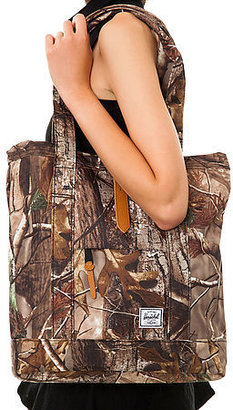 Herschel Supply The Market Tote in Real Tree Camo