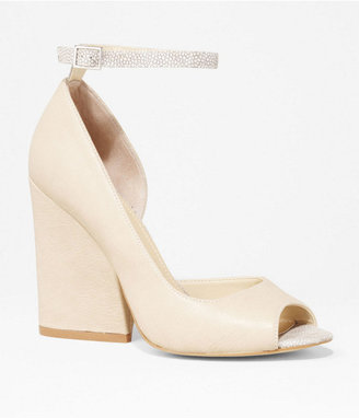 Express Open Toe Thick Heeled Pump