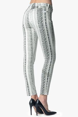 7 For All Mankind The Ankle Skinny In Black And White Reptile (28 Inseam)