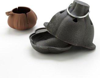 Charcoal Companion cast-iron garlic roaster & squeezer set