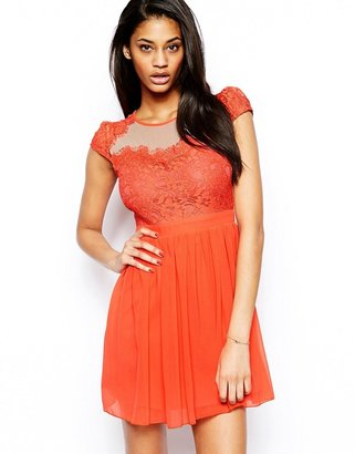 Elise Ryan Skater Dress with Scallop Lace Sweetheart Neck