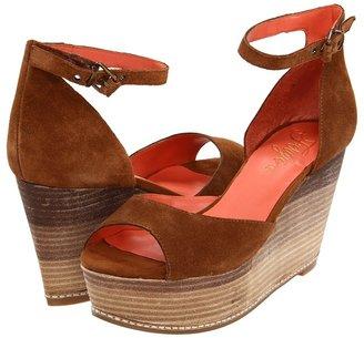 Fergie Dietra (Thrush) - Footwear