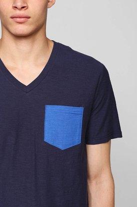BDG Slub Contrast Pocket V-Neck Regular-Fit Tee