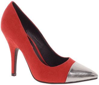 London Rebel Heeled Shoe With Toe Cap