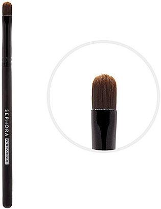 Classic Small Synthetic Eyeshadow Brush #26