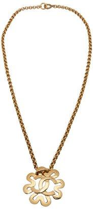 Chanel 95 logo flower necklace