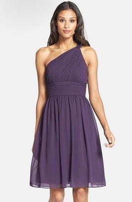 Donna Morgan 'Rhea' One-Shoulder Chiffon Dress (Regular & Petite)