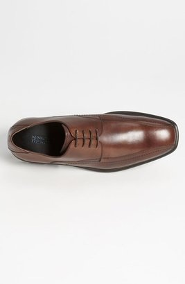 Kenneth Cole Reaction 'Stand N Fight' Derby