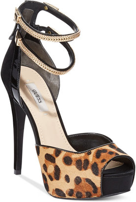 GUESS Women's Katrines Platform Sandals