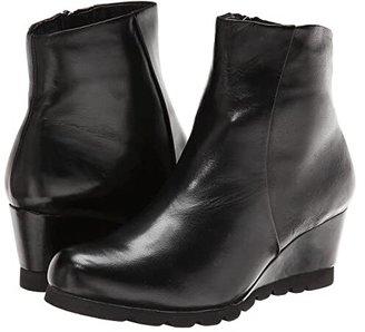 Spring Step Ravel (Black) Women's Shoes