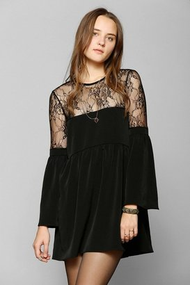 Babydoll Oh My Love Lace-Top Bell-Sleeve Dress