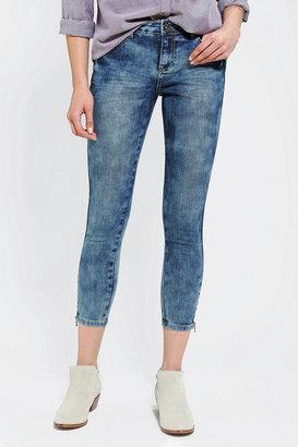 BDG Instant Vintage Grazer Mid-Rise Jean