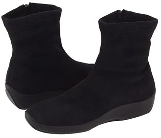 ARCOPEDICO L8 (Black Faux Suede) Women's Zip Boots