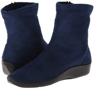 Arcopedico - L8 Women's Zip Boots $125 thestylecure.com