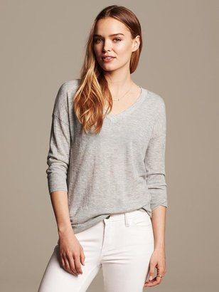 Banana Republic Lightweight Vee Pullover