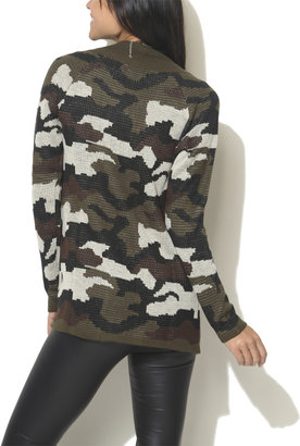 Wet Seal Camouflage Wrap