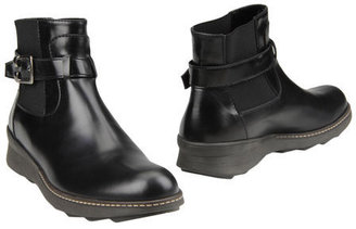 The Saddler Ankle boots