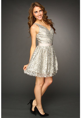 Robert Rodriguez Lace V-Neck Tiered Dress